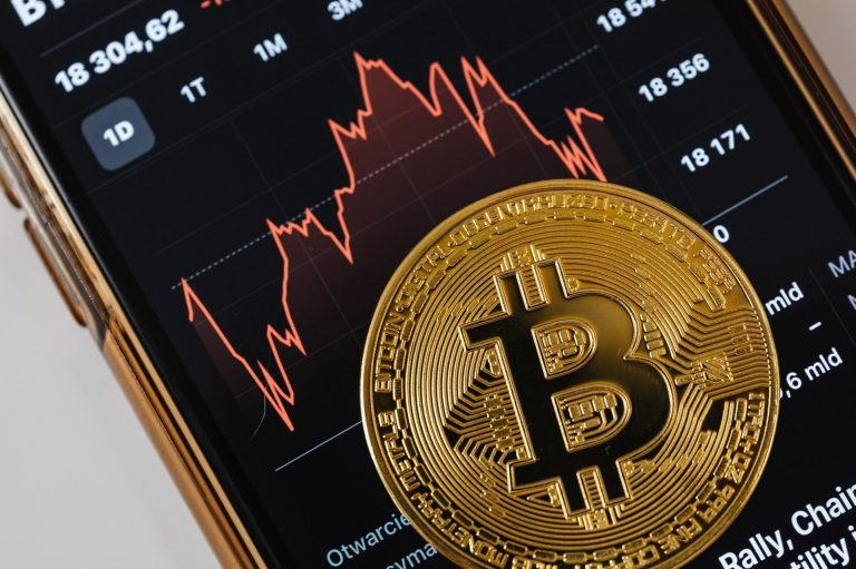 Bitcoin and the Future of Mobile Phones Applications